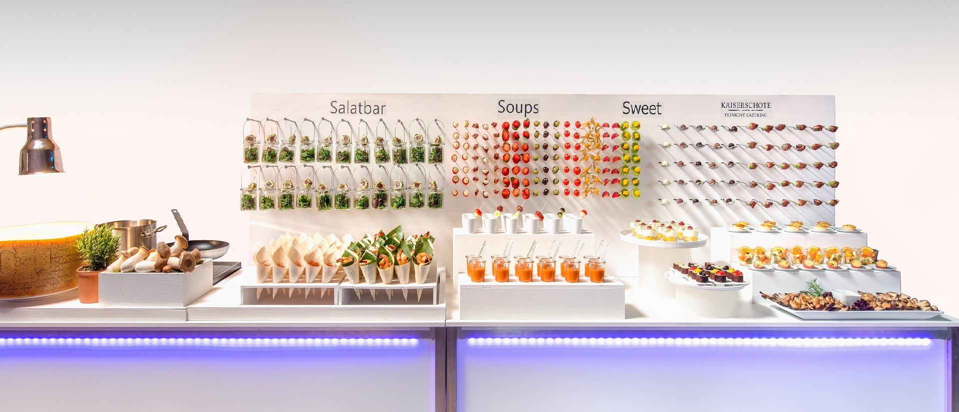 corporate_catering_buehne_3D-frontal